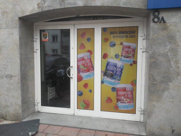 Agencja Reklamowa DKAmedia - Oferta Reklama - Oklejanie niestandardowych projektów - projekt oraz oklejenie okien dla firmy SFD Suplementy diety z Rzeszowa